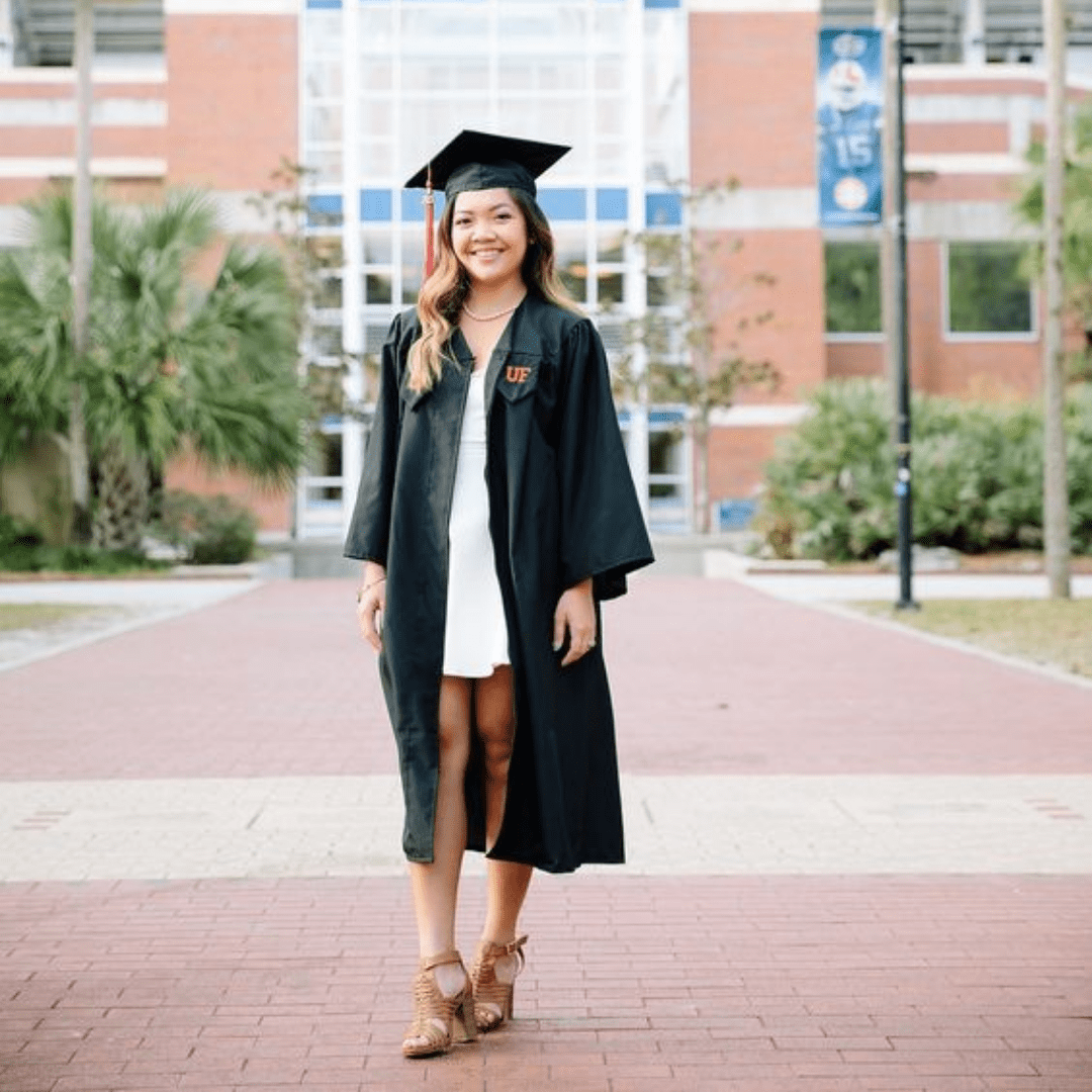 Graduation Gown: How To Accessorise It