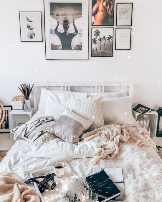 Living with a roommate in college is one the hardest struggles all college students can understand. We have prepared you so you know what to expect and how to handle it.