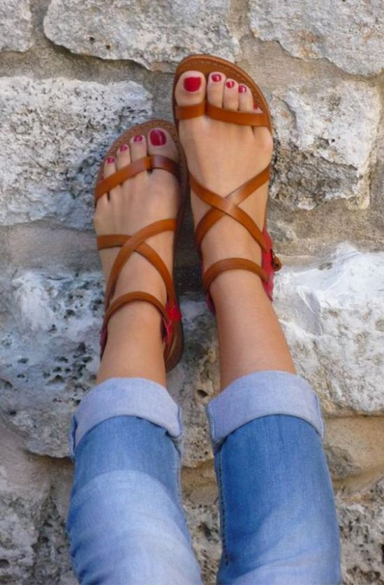 Summer shoes that are sure to match any summer outfit! Kick this summer off right with summer shoes that will have your feet looking fab. From heels to flats, we listed them all.