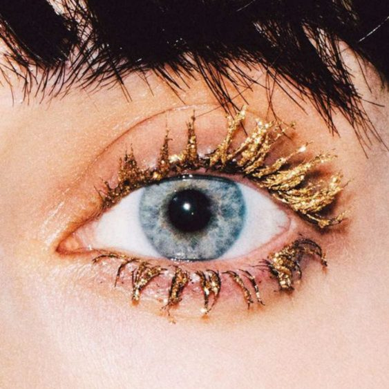 10 Glitter Eye Makeup Ideas That You're Going To Love