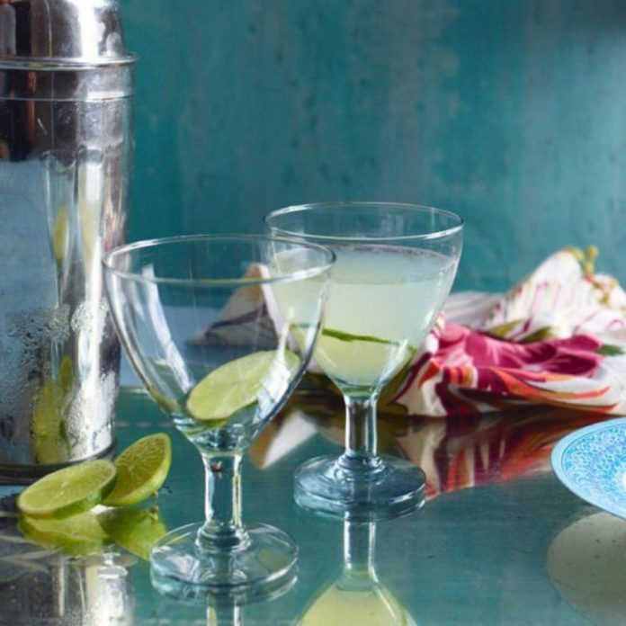 10 Easy Cocktails You Can Make At Home