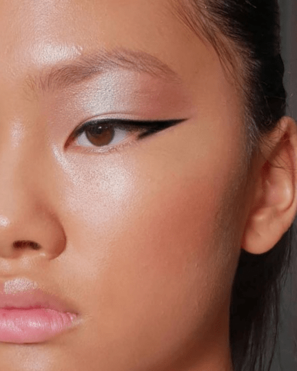 8 Must-Have Makeup Products To Be Ready For Any Occasion