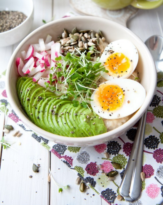 8 Savoury Oatmeal Recipes To Switch Up Your Oatmeal Routine
