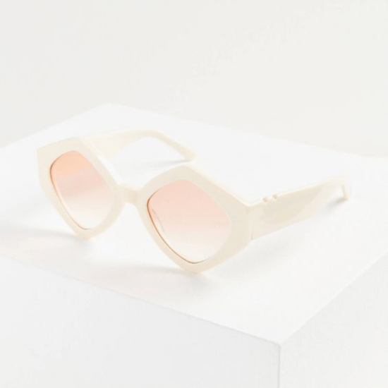 6 Pairs Of Oversized Sunglasses To Channel Your Inner Miranda Priestly