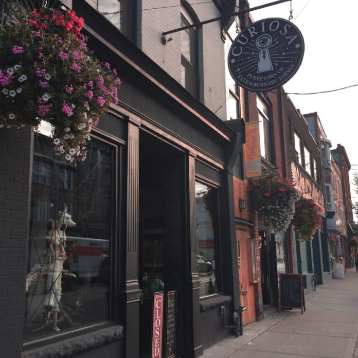 7 Cute Date Spots In Toronto For You And Your SO
