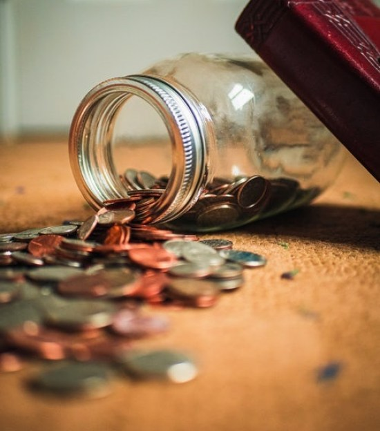 Living On A Budget: 5 Easy Ways To Save Money Everyday