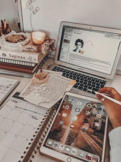 10 Perks Of Having College Classes Online