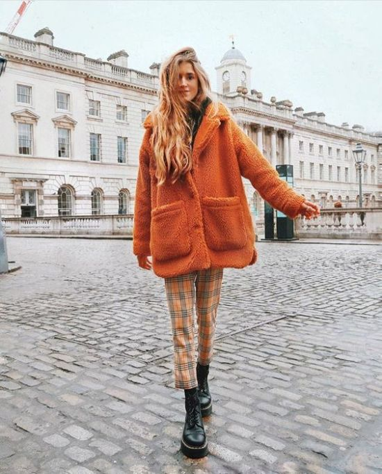 *9 Adorable Ways To Wear Orange So You Can Match The Foliage