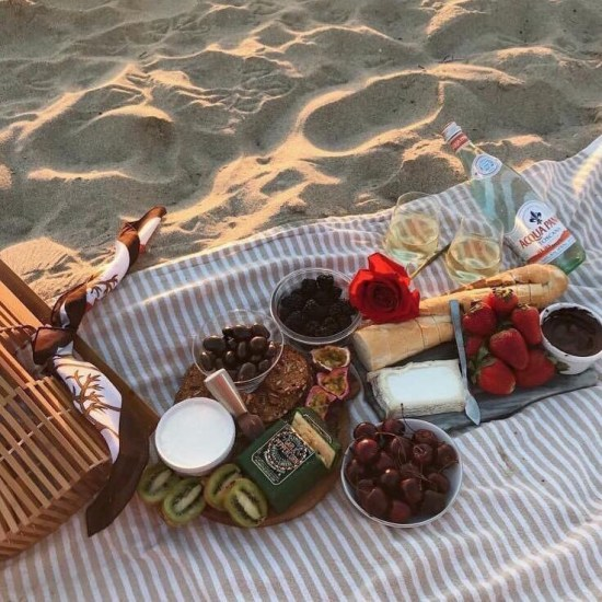 Plan The Perfect Beach Date For Your Girlfriend This Summer