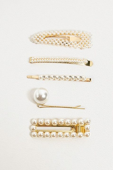 *Sweet Hair Accessories That Are Perfect For Any Occasion