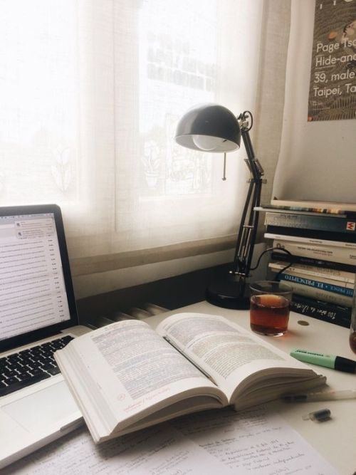 Ultimate Guide To Managing Your Time At University