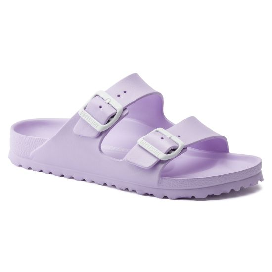 *10 Affordable and Durable Shoes to Get You Through the Spring Semester