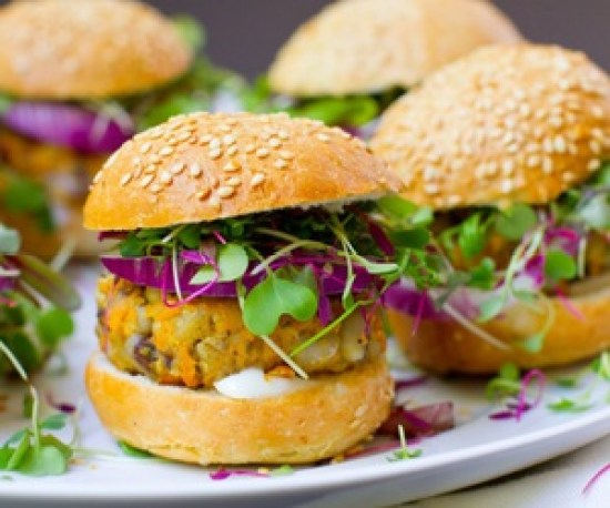 10 Delicious Summer Vegan Recipes To Make For The Whole Family