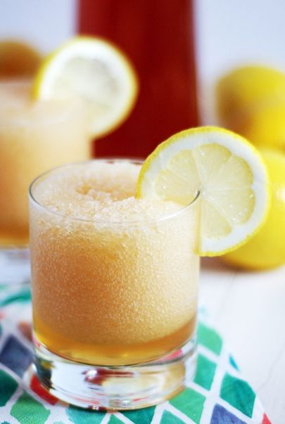 10 Icy Drink Recipes You'll Enjoy By The Pool