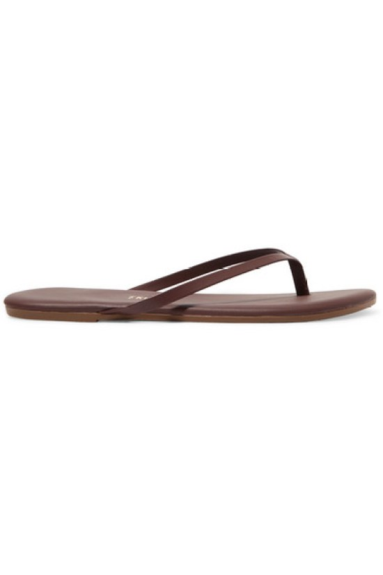 6 Stylish Pairs Of Flip Flops To Wear To The Beach