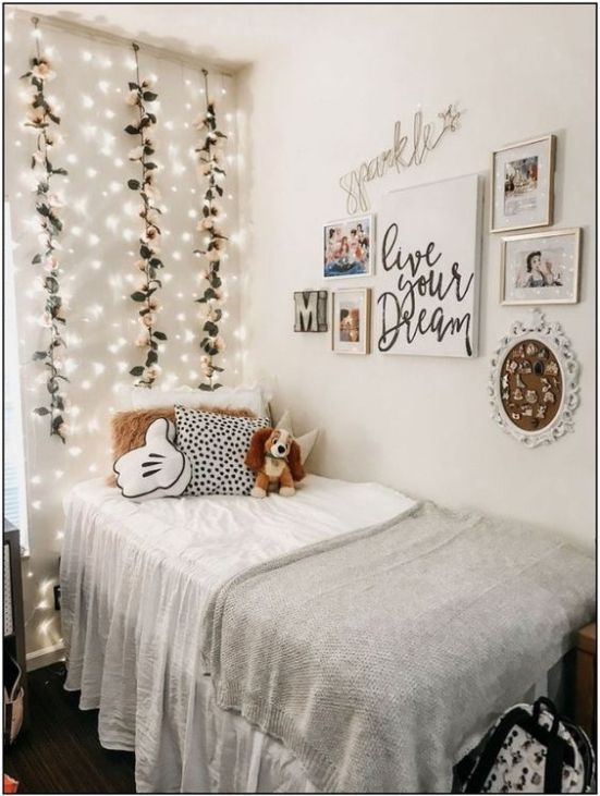 10 Ways To Make Your Dorm Feel Bigger