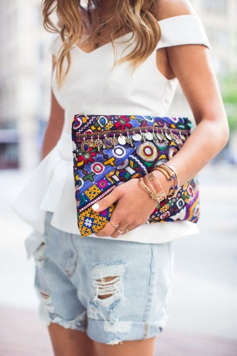 This clutch is so cute with this outfit!