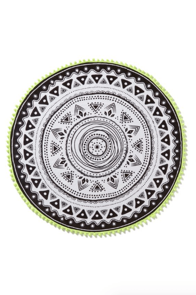 Round beach towels are what you need for your next summer beach trip!