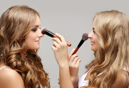 eyesite-girls-putting-makeup-on-each-other-large-410912767-1