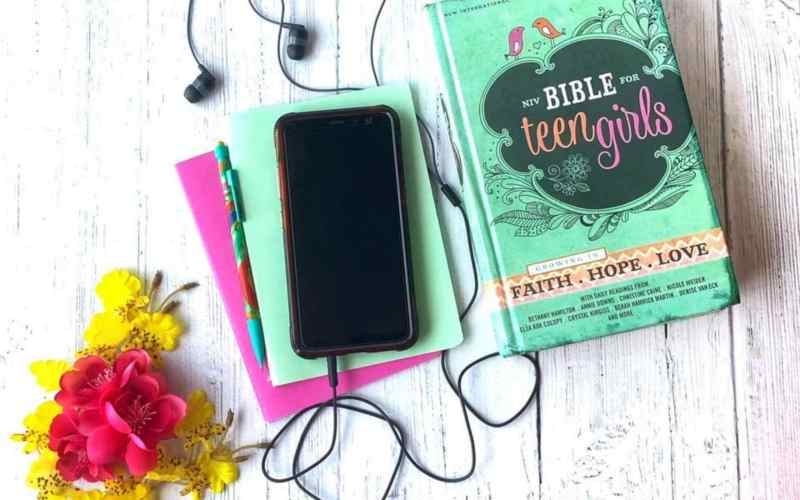 Best Bibles for Teen Girls