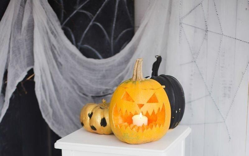 Sharing the Gospel on Halloween, is it a good idea?