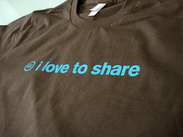 Creative Commons HQ - I love to share