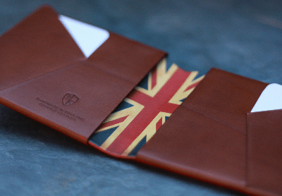 Blogging assignment: Worldwide female bloggers wanted to review men's personalized leather wallet as a male Christmas idea