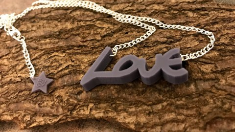 UK Instagram assignment: Review custom-made jewellery using your own, or a loved one's, handwriting. – Closes 10/31/2019