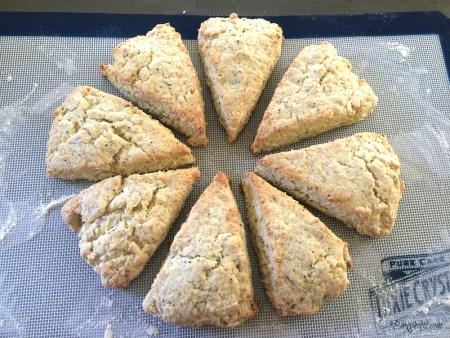 baked lemon poppy seed scones