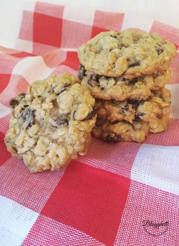 Classic-Oatmeal-Raisin-Cookies