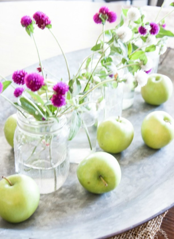 SIMPLE-AND-SWEET-EARLY-FALL-CENTERPIECE-kitchen-table-stonegableblog-3-2