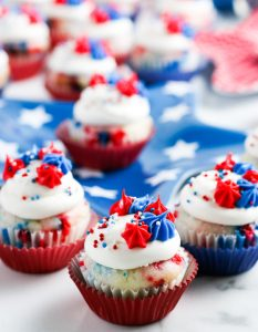 Mini-Cupcakes-for-4th-of-July-set-1-Final-1-600x773