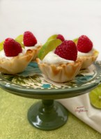 mini tarts shells filled with key lime mousse