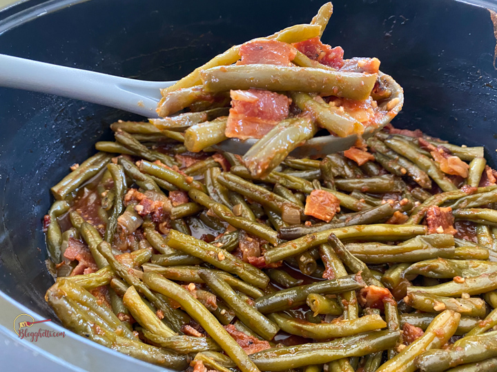 close up of slow cooker bbq green beans ready to serve