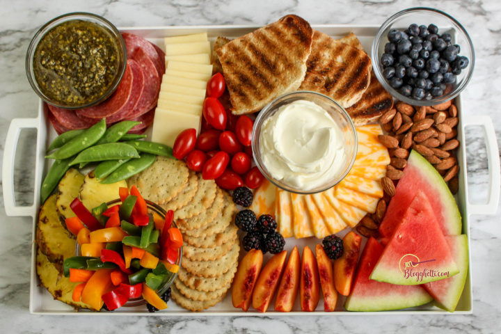 simple and easy summer charcuterie board