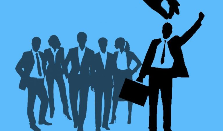 QUALITIES THAT EMPLOYERS LOOK FOR WHILE HIRING