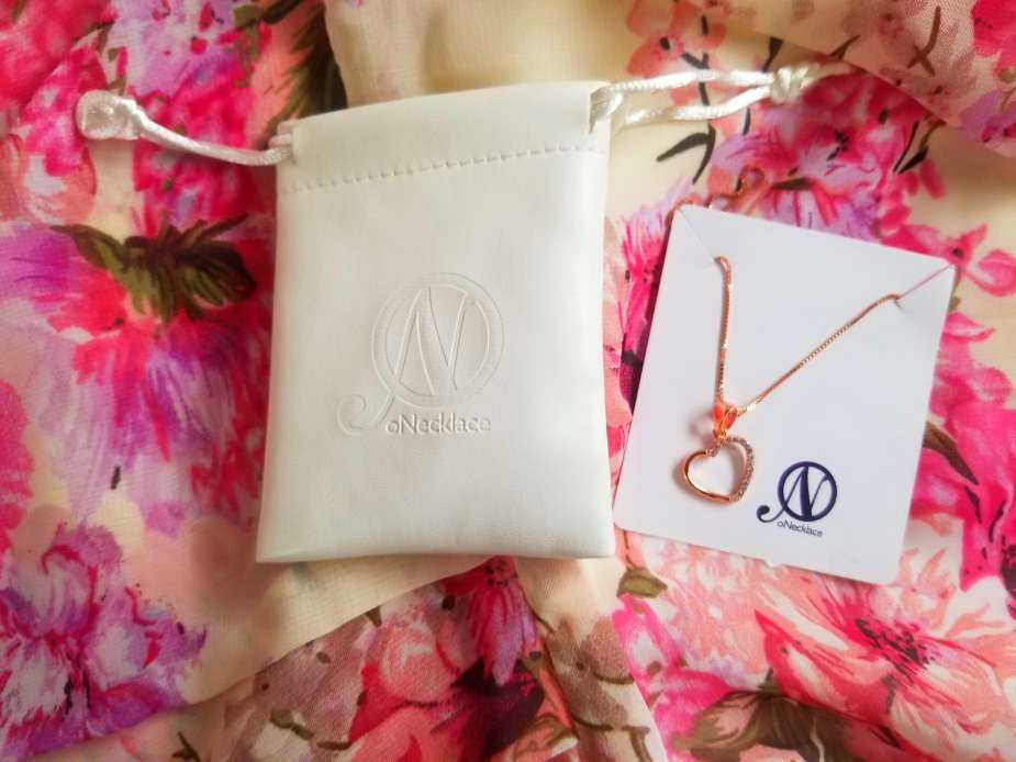 oNecklace review