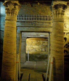 catacomb_tomb_face