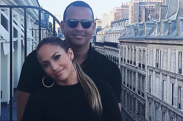 Дженнифер Лопес опубликовала новые снимки из романтической поездки с Алексом Родригесом в Париж