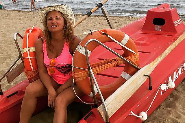 Анна Нетребко отдыхает в Италии и делится фотографиями с пляжа