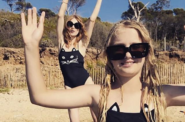 Наталья Водянова опубликовала в соцсети милые кадры с 11-летней дочерью Невой