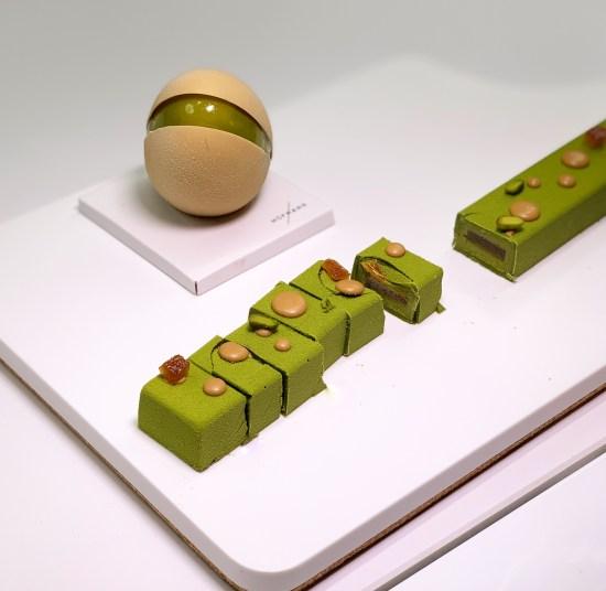 pastel individual y turrón de pistacho de Pastelería Hofmann