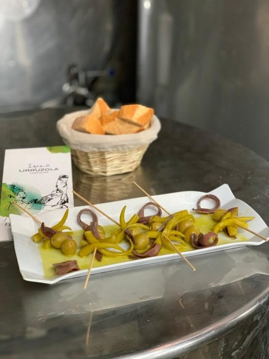 Gildas en el restaurante de la bodega de Inazio Urruzola