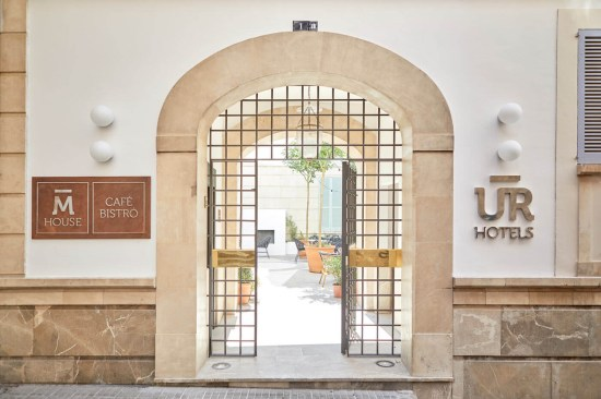 portal de entrada a M House