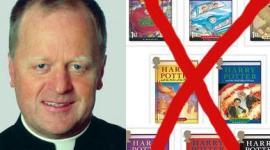 """Masivas Críticas Obligan a Renunciar a Obispo que Opina que Harry Potter es """"Satánico"""""""