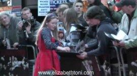 Jessie Cave y Hugh Mitchell Asisten a Premiere de 'Tormented' en Londres