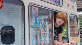 Inocentada: Rupert Grint Venderá Helados en el 'Parque Temático de Harry Potter'