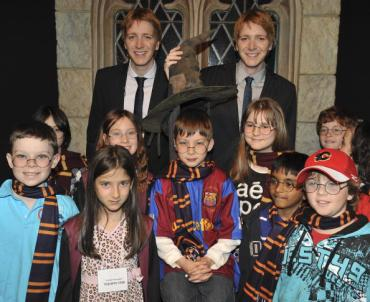 James y Oliver Phelps en la Apertura de 'Harry Potter: La Exhibición' en Ontario
