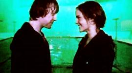 Videoclip: Rodaje de Posible Beso entre Ron y Hermione para 'Las Reliquias de la Muerte'