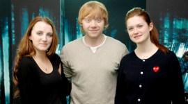 Rupert Grint, Bonnie Wright, y Evanna Lynch durante la Promoción de 'Las Reliquias I' en Tokio